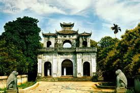 Cổng Tam Quan Văn Miếu Xích Đằng